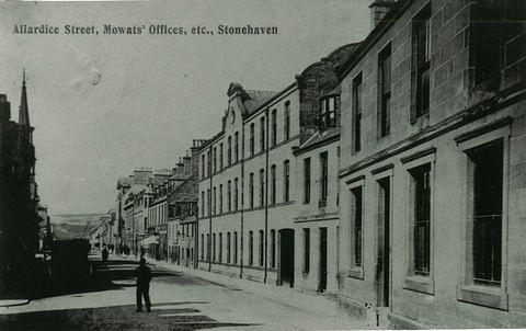 A view north along Allardice Street with Mowats' Tanworks offices on the near right.